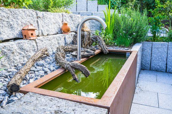 Gartenbau Brunnen Cortenstahl
