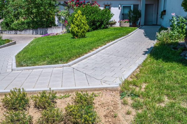 Gartenbau Weg Rollstuhlrampe
